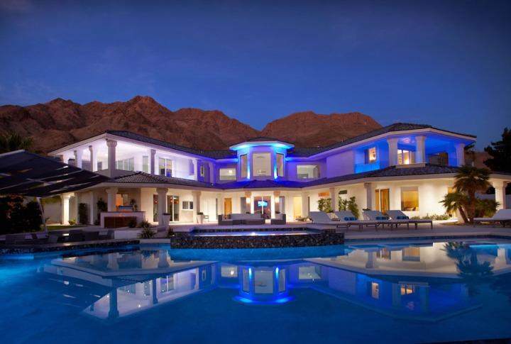 Med-Res-VegasViews-Pool-night_large_1